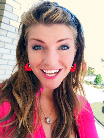 beleen in real life smiles with new earrings from mmo gamer komarci97